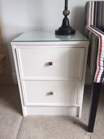 BEDSIDE DRAWER WHITE PAINTED