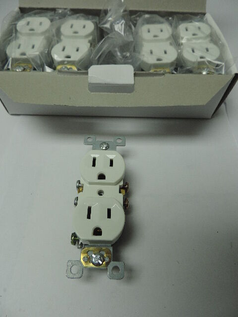 Lot of 20 White Duplex Outlet Residential Wall Receptacle 15A 120V Push Connect