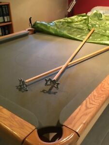 """Pool table: beautiful condition 44"""" x 88"""" playing surface"""
