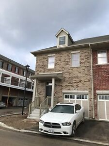 Available May 1st-- Brandnew 3 Bdrs 2.5Baths TOWNHOME Kitchener