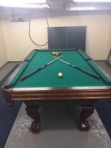 Brunswick 8 Ball Pool Table
