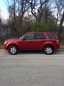 2010 Ford Escape XLT One Owner low KM