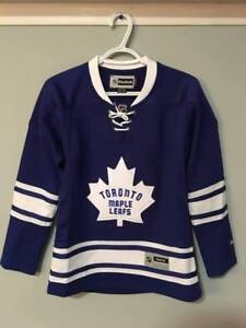 Womens Size Extra Small Toronto Maple Leafs Jersey