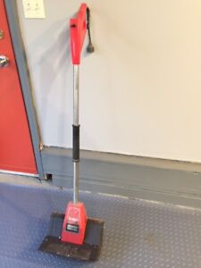 Toro Electric Power Shovel with 12-inch Clearing Width