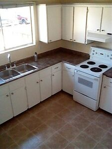 Large 3 bedroom+rec room 2100sq.ft townhouse