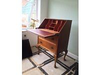 Writing desk / bureau