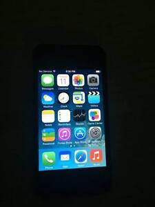iPhone 4, 8gb black (bell mobility)