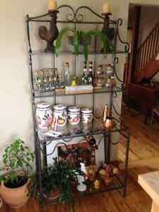 étagère et set de cuisine