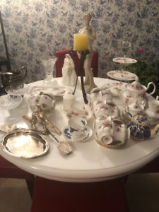 Miscellaneous china and knick knacks for sale