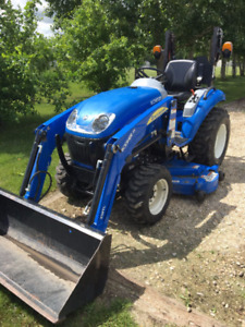 "LIKE NEW NH Boomer with NEW 60"" mowerdeck, 54"" bucket"