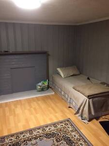 1 ROOM FOR RENT SHORT BUS TO MAC CAMPUS Kitchener / Waterloo Kitchener Area image 4