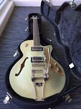 SELLING GUITAR COLLECTION (Acoustic & Electric) Sunnybank Hills Brisbane South West Preview