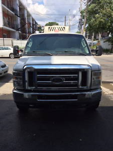 Commercial refridgerated van Ford E-350 for sale