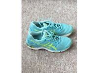 Asics gel phoenix 8 - Size 7.5. Used only a few times. Good condition.