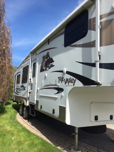 32 pi.-Fifth Wheel  2012 - Prix réduit-Reduced Price!