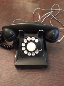 Vintage made-in-Canada Northern Electric telephone