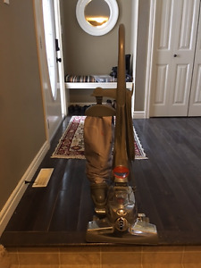 Reduced   Kirby Vacuum in Excellent Condition