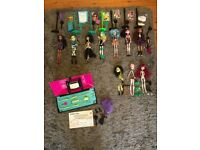 Monster High Dolls bundle with accessories and create a monster lab