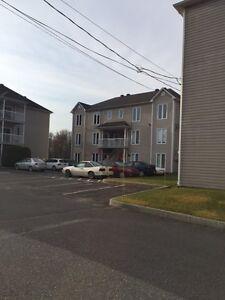 4½ logement, appartement à louer, à Ste-Marie