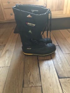 BAFFIN STEEL TOE WATER PROOF BOOTS ***** $ 65.00 ******