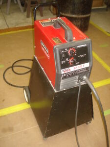 Lincoln Electric SP170-T Welder
