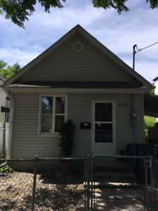 Newly Renovated 2 Bedroom House in North End$950.00!!