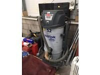 Nilfisk CFM S2 - Wet & Dry Industrial Hoover - £400 FOR QUICK SALE MUST GO TODAY