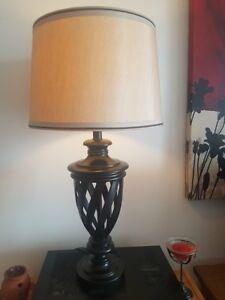 2 MAGNIFIQUES LAMPES COMME NEUVE