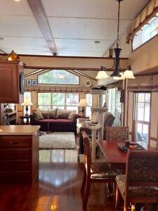 """Beautiful """"Tiny Home"""" (Park Model) Plus Land Included!"""