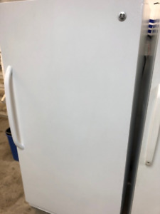 FULL SIZE EXCELLENT CONDITION GE UPRIGHT FREEZER WITH LIGHT