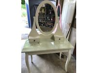 Ikea hemnes white dressing table with mirror