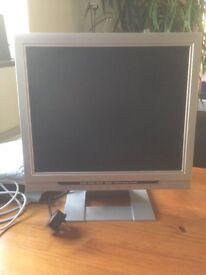TV/PC Monitor Daewoo TT LCD TV plus willgive away freeview box
