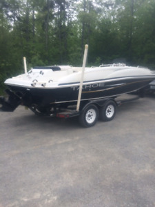 "2008 Tahoe 21'5 "" Deck Boat with trailer"