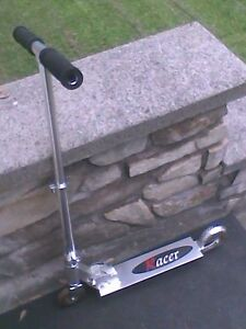 TROTINETTE RACER SCOOTER