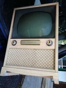 Vintage 1960's TV - not working