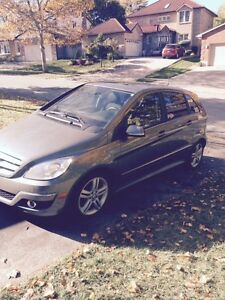 2011 MERCEDES BENZ B200 ONLY 108,000kms FOR SALE