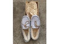 Ugg Dakota slippers - unworn & perfect condition. Genuine