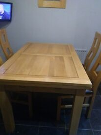 Solid Oak Extendable Table and 4 Chairs- Excellent condition 140 cm x 90 cm