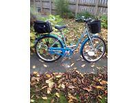 Raleigh Caprice ladies Hybrid bike.