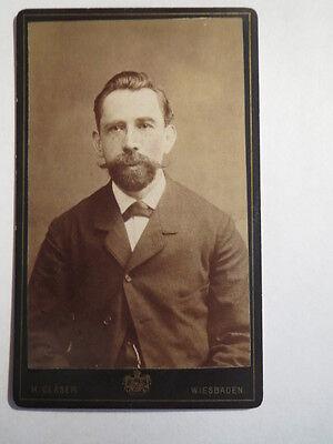Wiesbaden - Mann im Anzug mit Bart / CDV