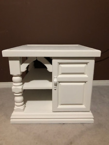 2 End Tables Refinished white Solid Wood S 125.00 for both