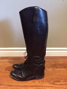 English riding tall boots size 7 (100% leather)