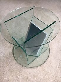 Glass coffee table and magazine rack