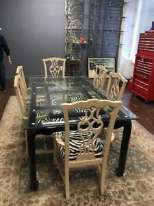 Business closing after 60 years / Dining table + 6 chairs
