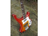 Bass guitar - in Very good condition