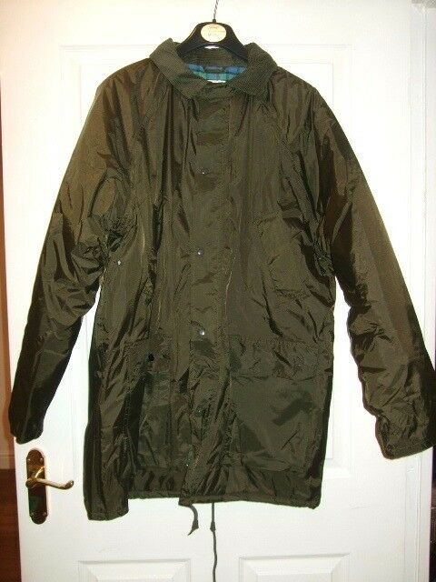 Mens Wyvern Brand Green Thick Padded Waterproof Outdoor Coat Size Small VGC