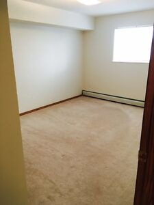 Spacious & Bright 2 Bedroom with Large Balcony & Insuite Laundry
