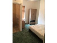 Excellent Quality 3 bed house 2 bathrooms M14 1ST May