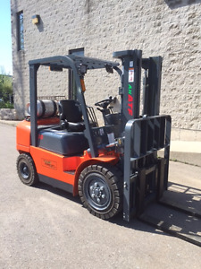 NEW VALUE FORKLIFT 6000lb Pneumatic