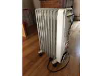 DELONGHI OIL FILLED ELECTRIC HEATER - USED BUT MINT
